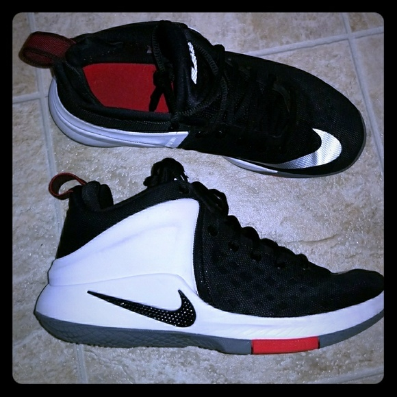 Chaussures 8 Des James Poshmark Taille Lebron Nike dI7Pxwqx